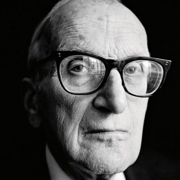 هارت که از پیشروترین فیلسوفان حقوق قرن بیستم شناخته میشود استاد دانشگاه آکسفورد بود.