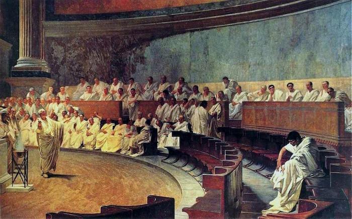 سوفیسم (سوفسطاییگری) یکی از نحلههای فکری در یونان باستان است. تا پیش از سوفیستها، موضوع بحث فیلسوفان یونانی دربارهی خود جهان و آنچه جهان از آن ساخته شده است بود و آنها به انسان و امور این جهانی او بی توجه بودند. اما موضوع مورد علاقهی سوفیستها انسان، تمدن و عادات انسانی بود. آنها در روش نیز با فیلسوفان پیش از خود فرق داشتند. روش فیلسوفان پیشین استنتاجی و قیاسی بود، حال آنکه سوفیستها اهل تجربه بودند و از روش استقرایی استفاده میکردند. هدف سوفیستها عملی بود نه نظری و اصلا برای آنها حقیقت عینی مهم نبود. سوفیستها اولین آموزگاران یونان بودند که در ازای تعلیم دانشآموزانشان پولی دریافت میکردند. سقراط این کار را بسیار زشت و ناپسند میدانست. سوفیستها بر این باور بودند که مهمترین چیزی که باید آموخت فن بلاغت و سخنوری است چراکه از نظر آنها حقیقت ثابت و غیرقابل تغییری وجود ندارد و در هر جامعه آنکه بهتر بتواند سخن گوید تعیینکنندهی حقیقتی است که دیگران باید به آن ایمان داشته باشند. در همینجاست که افلاطون به شدت با آنها مخالف است. در نظریهی مُثُل افلاطون با حقایقی روبهرو میشویم که ازلی-ابدی و ثابت هستند. این حقایق برای همهی مردم، در تمام زمانها یکی هستند. وی به شدت با نسبیگرایی سوفیستها مخالف است و در رسالهی گرگیاس که مربوط به فن سخنوری است به شدت به نقد آنها میپردازد. افلاطون معتقد است سوفیستها با کمک فن سخنوری میخواهند آن چیزی را حقیقی جلوه کنند که برایشان بهتر است و با این کار مردم را از حقیقت راستین دور میکنند.