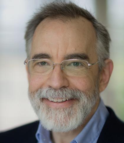 اریک درکسلر، مهندس آمریکایی که برای عمومیتبخشیدن و شناساندن ظرفیتهای نانوتکنولوژی مولکولی معروف شده است. در سال 1991م، پایاننامهی دکتری او در مؤسسهی تکنولوژی ماساچوست بعد از تجدید نظر، بهعنوان کتابی در زمینهی نانوسیستمها، ساخت و محاسبات ماشینآلات مولکولی، منتشر شد. این کتاب در سال 1992م، جایزهی انجمن ناشران آمریکا را بهعنوان بهترین کتاب در زمینهی علوم کامپیوتر، از آن خود کرد.